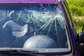 Kur pakeisti automobilio stiklą